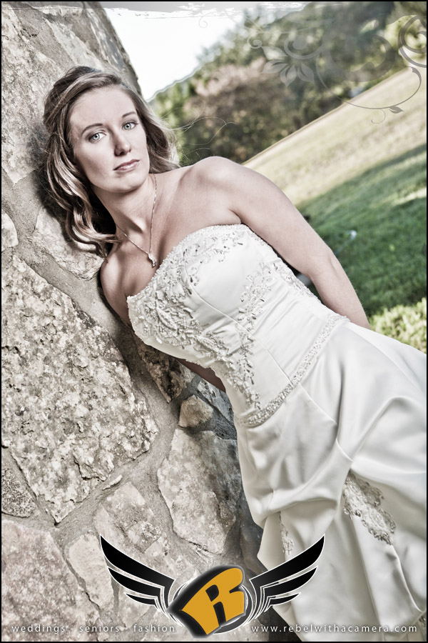 beautiful bridal portraits on lake travis at nature's point in lago vista