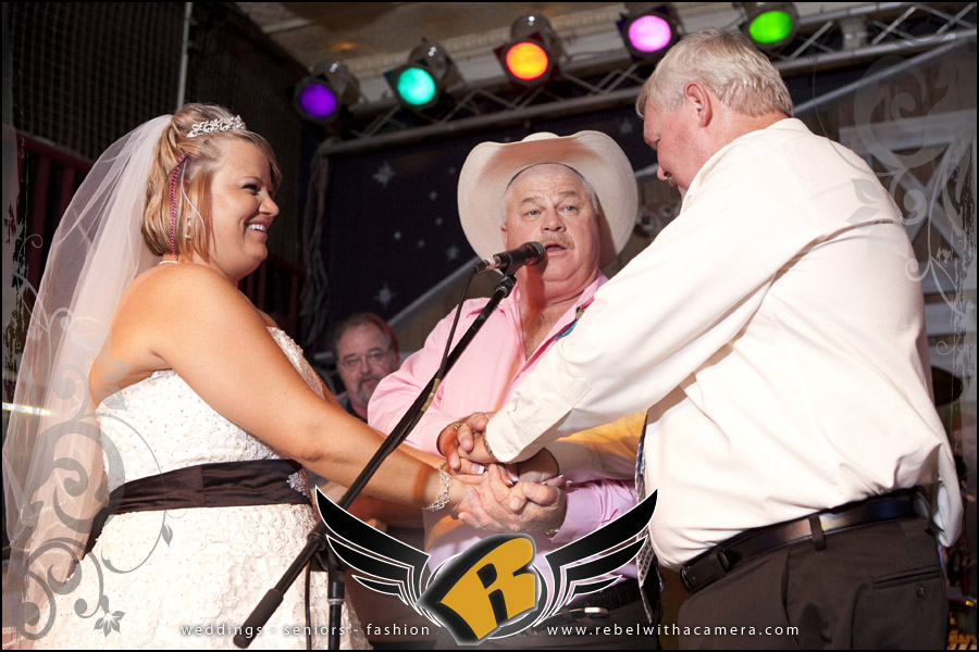Summer wedding pictures at the Cotton Club in Granger texas