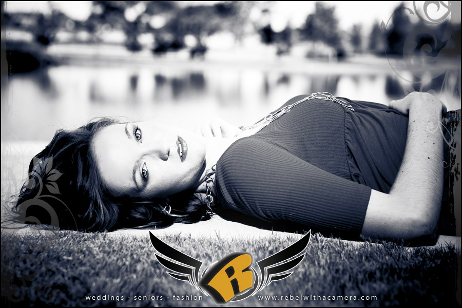 fun senior portrait pictures at mueller lake park in austin