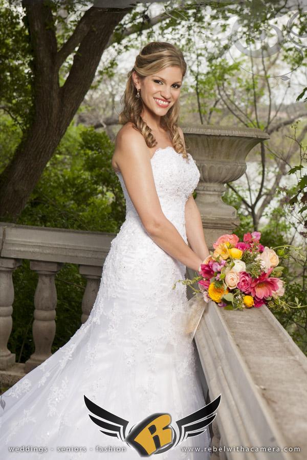 Laguna Gloria bridal portraits