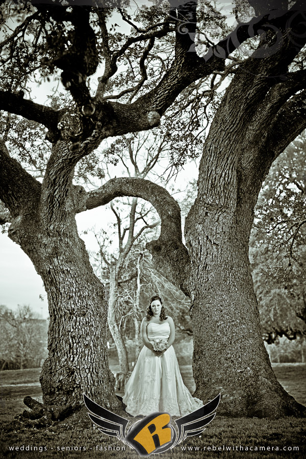 Round Rock bridal portraits at the Old Settlers Association