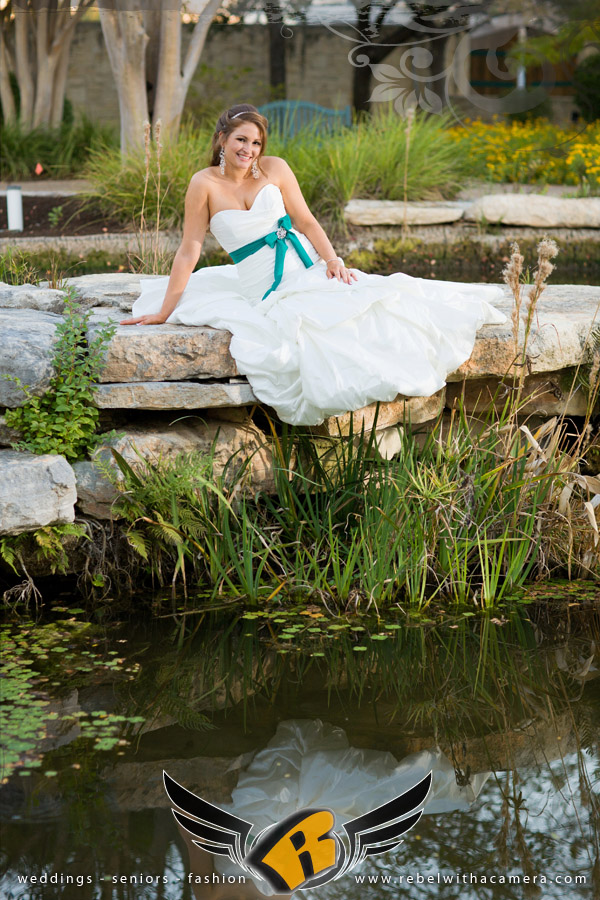 Bridal portraits at Casa Blanca on Brushy Creek