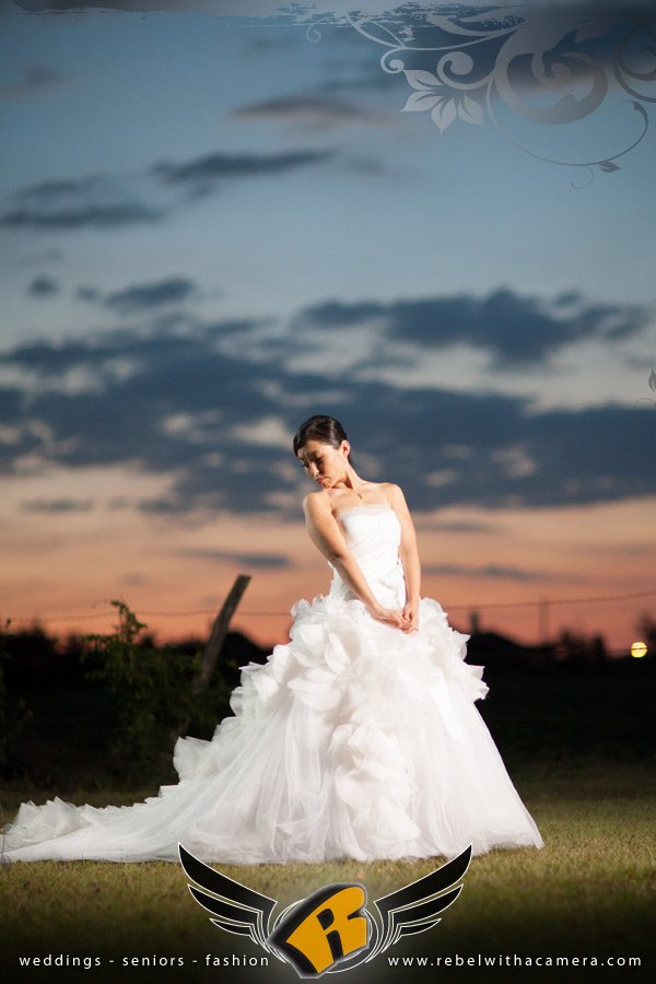 Vera Wang bridal portrait at the Plantation House in Austin, Texas