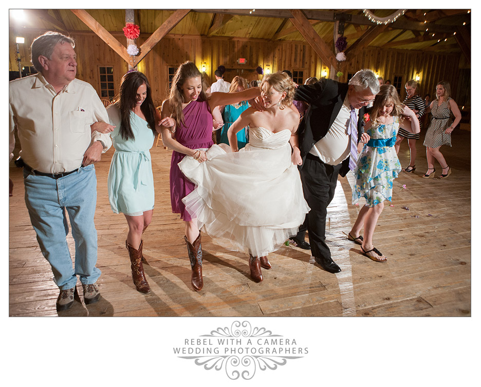 Country wedding photos at Tejas Hall at