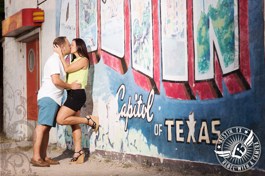 Engagement pictures at the Greetings from Austin mural.