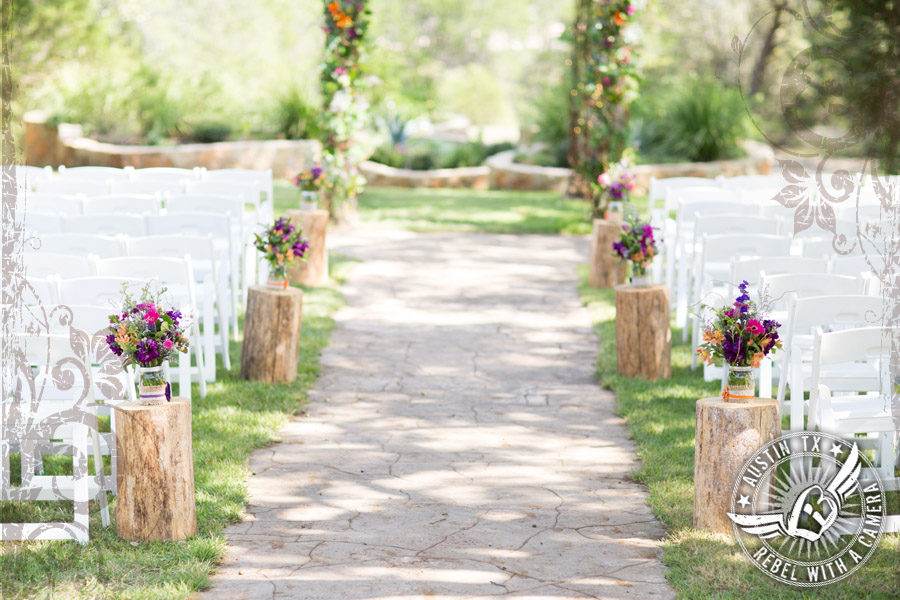 Country wedding photos at Kindred Oaks.