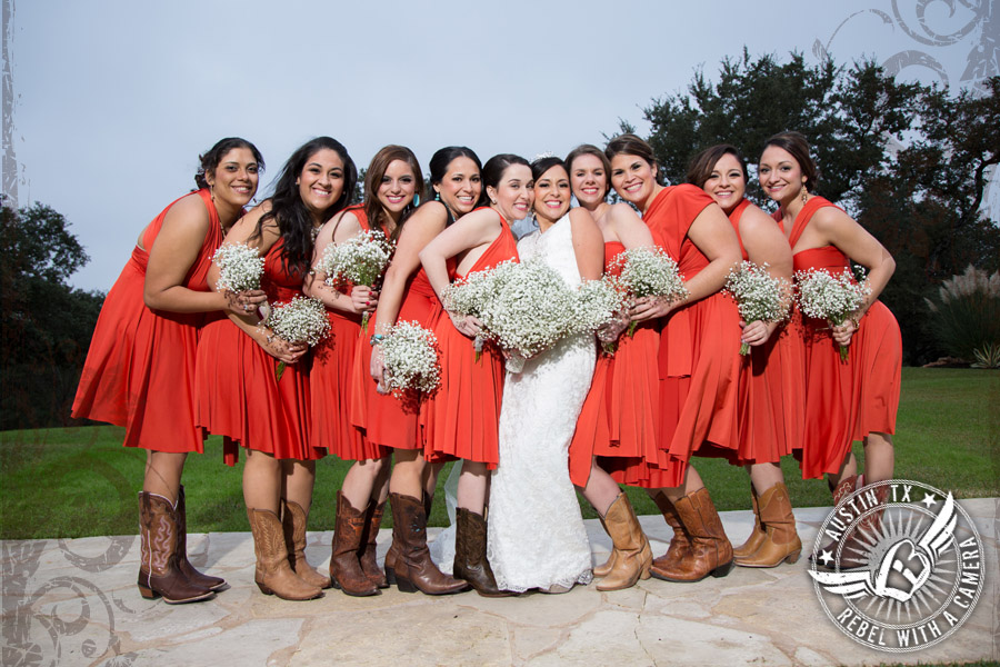 Gorgeous wedding photos at Gabriel Springs Event Center in Georgetown, Texas.