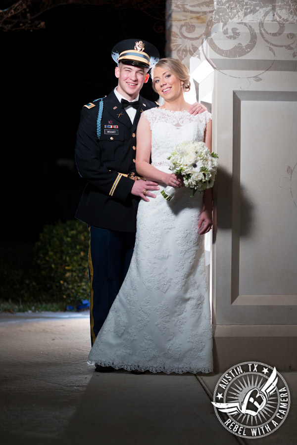 Beautiful wedding photos at the DoubleTree Hotel in Austin