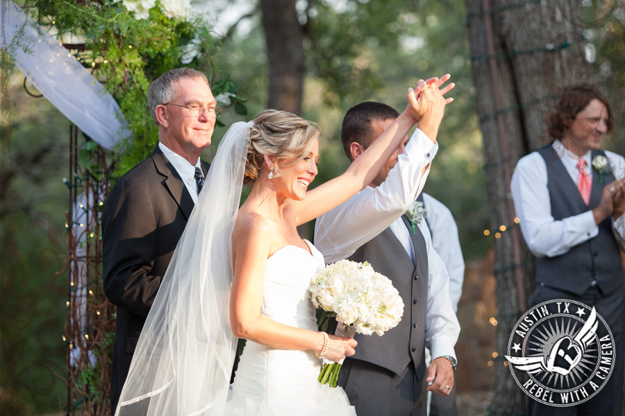 Gorgeous wedding photos at  Kindred Oaks.
