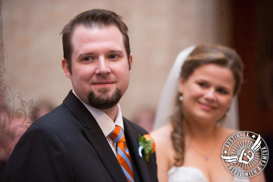 Beautiful wedding pictures at the UT Alumni Center