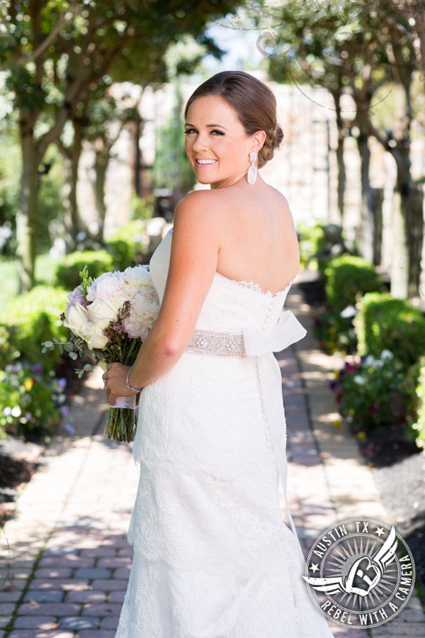 Amazing  bridal portraits at Nature's Point
