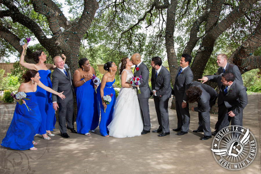 Fun wedding pictures at Antebellum Oaks