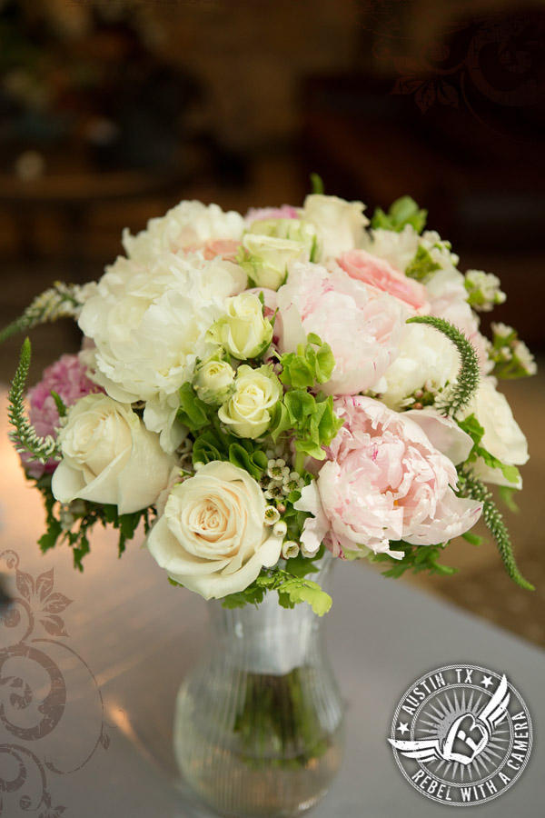 Gorgeous wedding bouquet at Nature's Point
