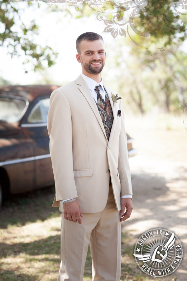 Groom in camo at Vista West Ranch