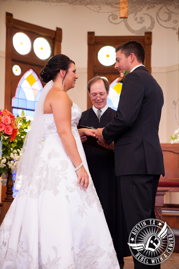 country-wedding-pictures-in-bastrop-texas (13)