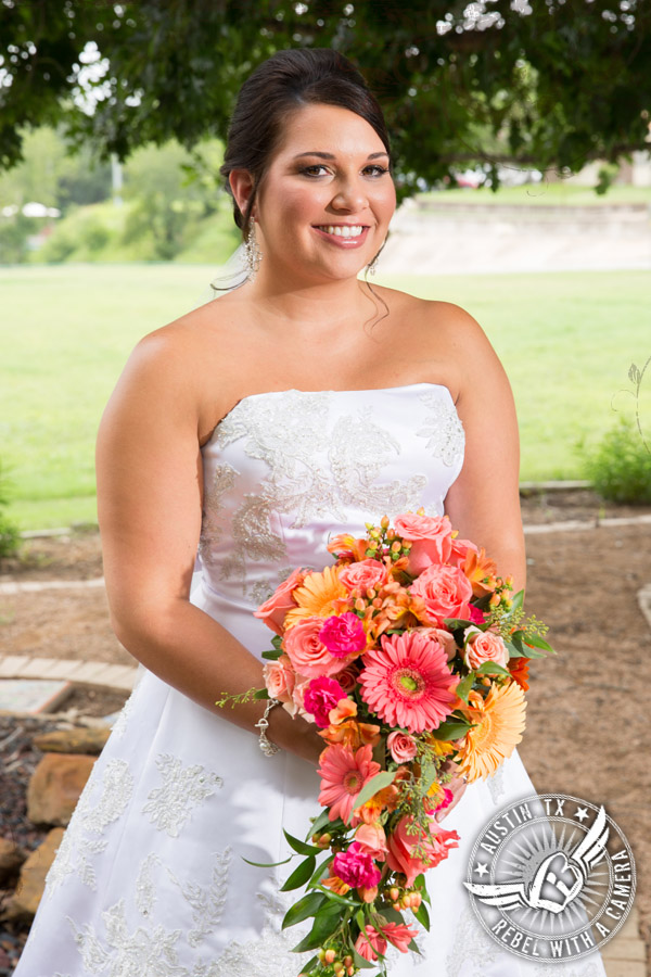 country-wedding-pictures-in-bastrop-texas (6)