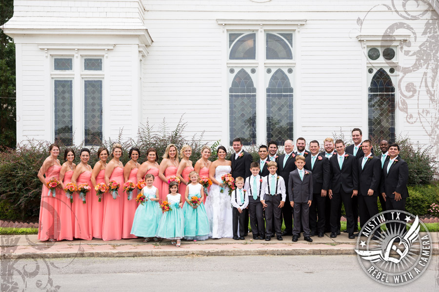 country-wedding-pictures-in-bastrop-texas (7)