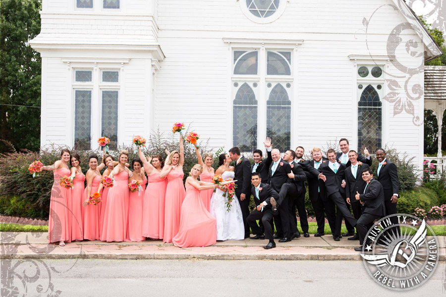 country-wedding-pictures-in-bastrop-texas (8)